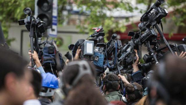 novinari-na-kosovu-rade-u-veoma-teskim-uslovima
