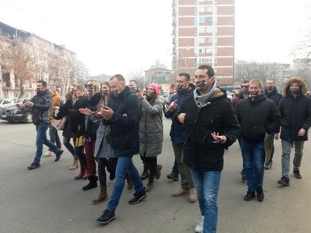 studentski-protest-u-podne-u-mitrovici