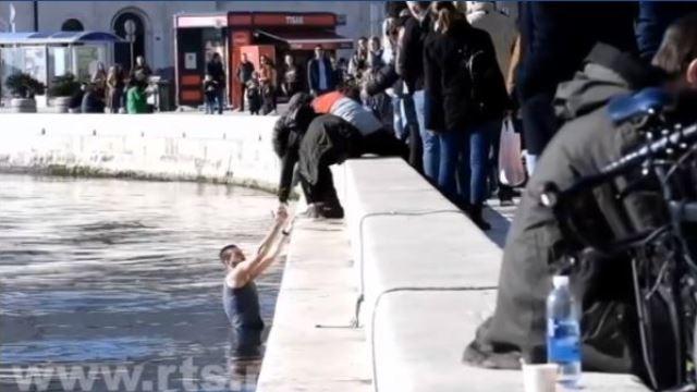 vaterpolisti-crvene-zvezde-napadnuti-u-splitu-utakmica-otkazana