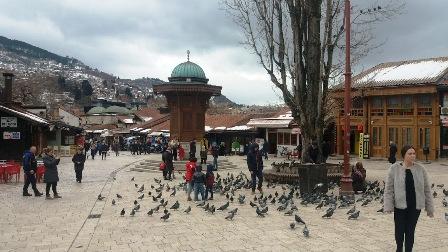 sarajevo-aplauz-kosovu-zvizduci-srbiji