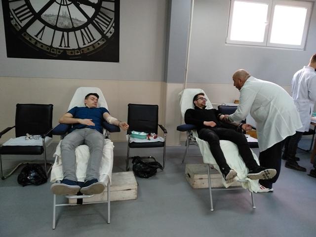 u-studentskom-klubu-u-toku-je-akcija-doobrovoljnog-davanja-krvi