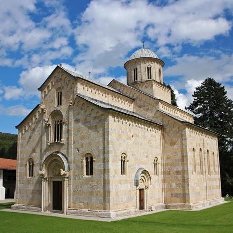 tri-godine-se-ne-sprovodi-odluka-o-potvrdivanju-vlasnistva-manastira-decani-nad-24ha-manastirske-zemlje
