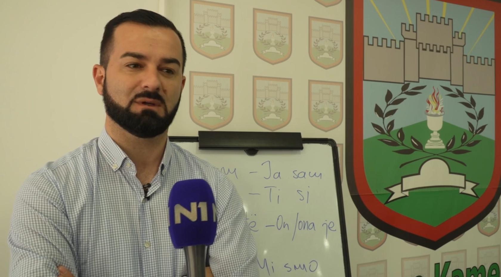 prvi-korak-za-bolje-odnose-srbi-u-kamenici-uce-albanski-a-albanci-srpski