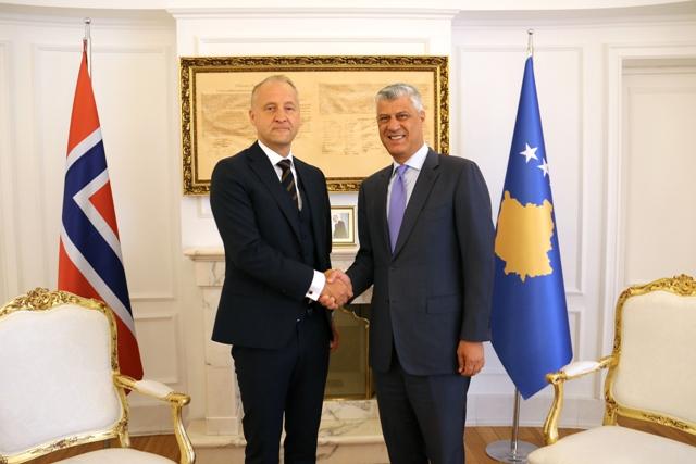 taci-primio-akreditive-novog-ambasadora-norveske-za-kosovo