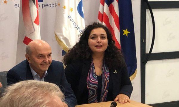 kurti-vjosa-osmani-ministar-spoljnih-poslova-ili-predsednica-skupstine