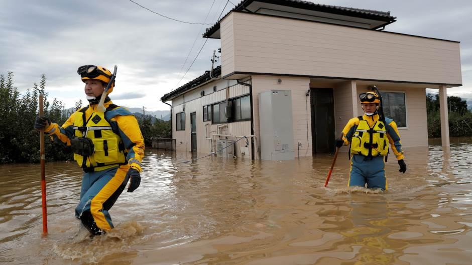 tajfun-u-japanu-odneo-70-zivota-i-dalje-se-traga-za-nestalima