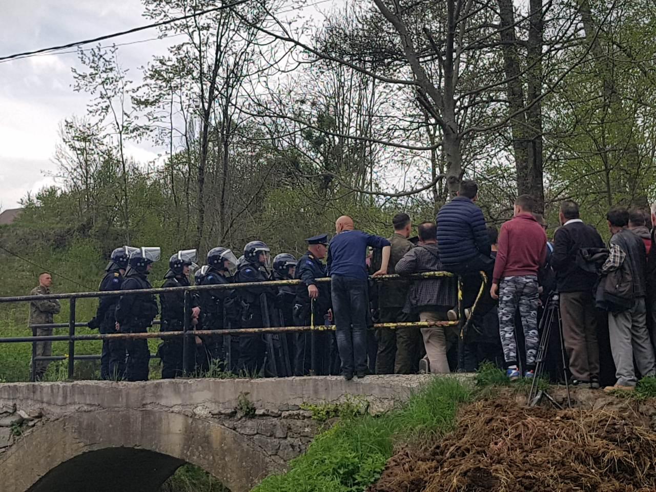 borba-za-reke-kosova-ko-su-srbi-i-albanci-koji-se-zajedno-suprotstavljaju-hidroelektranama-video