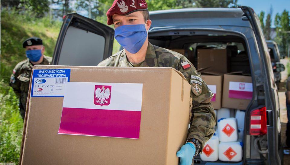 poljski-pripadnici-kfor-a-dostavili-medicinsku-zastitnu-opremu-zdravstvenim-ustanovama
