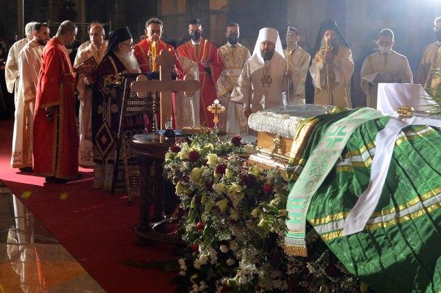 oprostaj-od-patrijarha-irineja-sahrana-danas-u-hramu-svetog-save