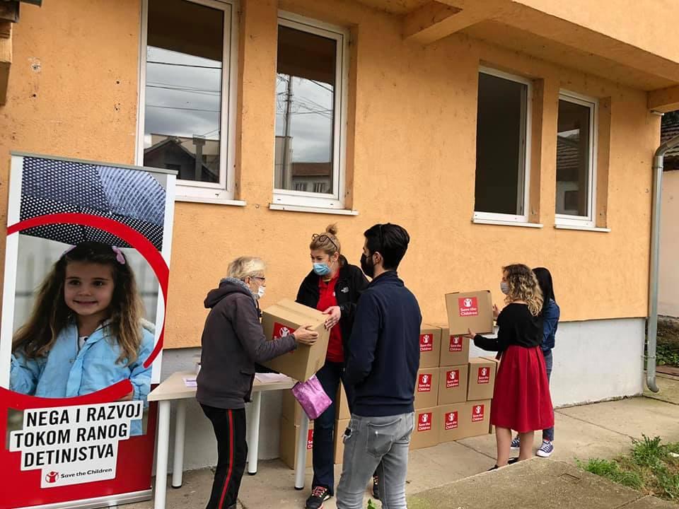 save-the-children-higijenski-i-edukativni-paketi-za-malisane