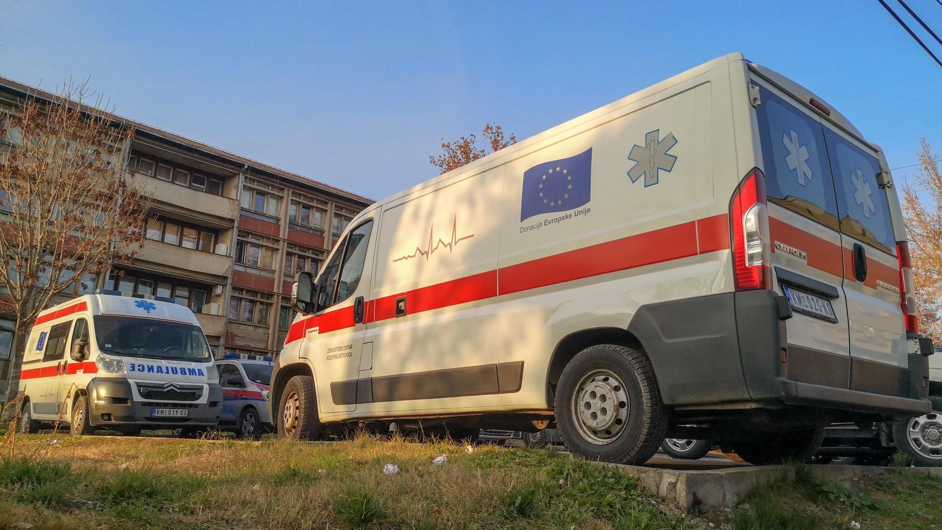 srbija-25-smrtnih-slucajeva-vise-od-2200-novoobolelih