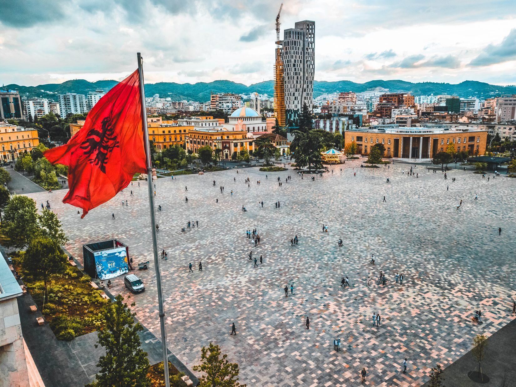 albanija-pred-izborom-dati-rami-treci-mandat-ili-sansu-basi