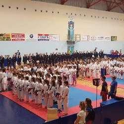 medalje-za-karatiste-sa-kim-na-47-medunarodnom-karate-turniru-zlatni-pojas-u-cacku
