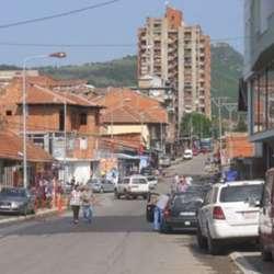 kossev-incident-i-napad-na-novinarke-kosseva-i-radio-beograda