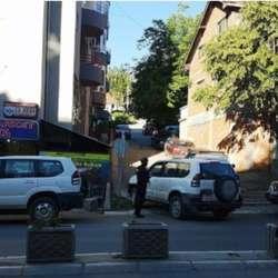 kosovska-mitrovica-i-zvecan-policija-pretresa-tri-lokacije