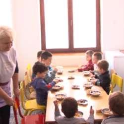 zalihe-hrane-za-vrtice-u-kosovskoj-kamenici-pri-kraju