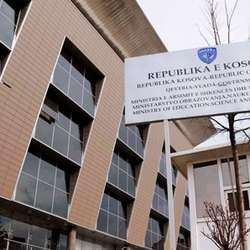 prosvetni-radnici-na-kosovu-od-ponedeljka-u-generalnom-strajku