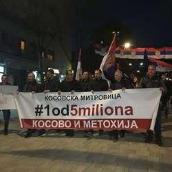 treci-protest-1od5miliona-u-mitrovici-protiv-podele-i-predaje-kosova