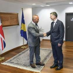 otkazana-poseta-zvanicnika-velike-britanije-kosovu