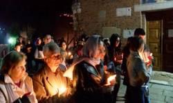 veliki-broj-vernika-pisustvovao-ponocnoj-liturgiji-u-manastiru-banjska