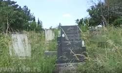 zadusnice-na-kim-groblja-zarasla-u-korov-razruseni-spomenici