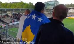 sa-zastavama-albanije-i-kosova-na-mecu-helsinkija-i-crvene-zvezde-video