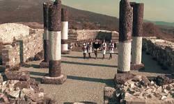 pevacica-snimila-spot-na-temeljima-pravoslavnog-hrama-u-novom-brdu-u-specijalno-zasticenoj-zoni