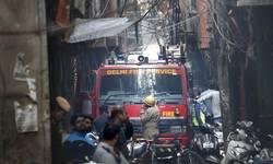 pozar-u-fabrici-u-nju-delhiju-najmanje-43-osobe-poginule
