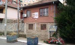 gazeta-express-na-ivanovica-pucano-sa-5-metaka