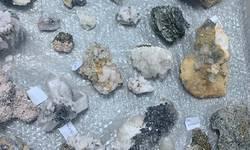 otkriveno-skoro-25-kg-ruda-i-minerala-u-autobusu-koji-saobraca-na-relaciji-kosovo-nemacka