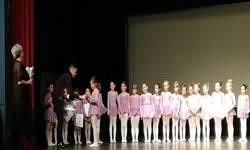 skola-baleta-u-gracanici-izvela-javni-cas