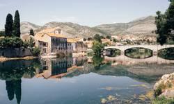 aukcija-slika-u-trebinju-za-izgradnju-dnevnog-centra-u-kosovskoj-mitrovici