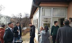 predstavnici-kancelarije-za-kim-u-kosovskoj-mitrovici-i-suvom-dolu