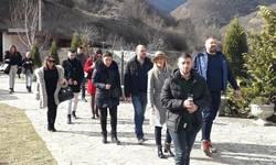studenti-iz-centralne-srbije-obisli-manastir-banjsku-rajsku-banju-i-jezero-gazivode