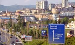 balkoni-u-20h-u-srbiji-aplauz-za-medicinsko-osoblje-u-pristini-pozvali-na-pravljenje-buke-zbog-politicke-borbe