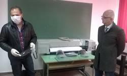 na-ftn-u-kosovskoj-mitrovi-pocela-izrada-medicinskih-vizira