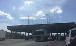 kamioni-sa-robom-iz-srbije-ulaze-na-kosovo-bez-prepreka