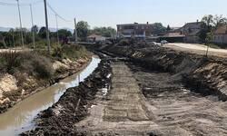 betonira-se-korito-gracanke-u-centru-lapljeg-sela