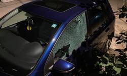 u-juznoj-mitrovici-vise-hitaca-ispaljeno-na-automobil-novinara-kosovskog-portala-reporteri