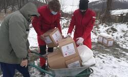 volonteri-crvenog-krsta-kosovske-mitrovice-pomazu-porodicama-pogodenim-poplavama